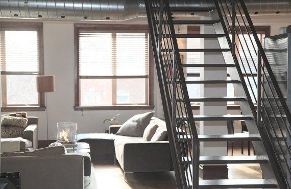 Tipos de escaleras de casas según el material