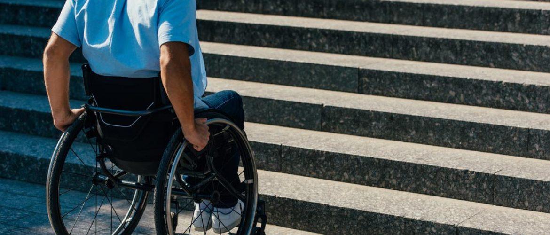 Barreras arquitectónicas - Escaleras y Silla de ruedas